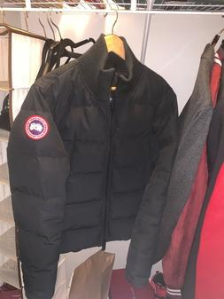 canada goose men's bomber jacket size medium. Never worn